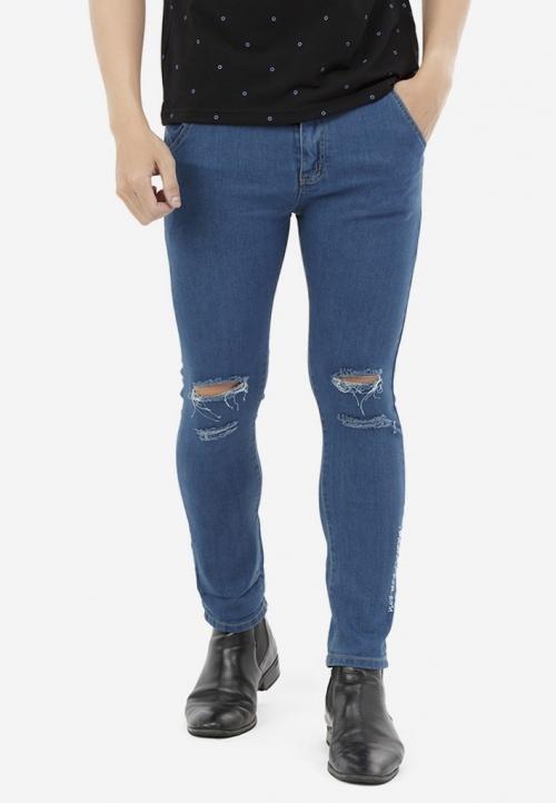 Quần Jeans Titishop QJ171 xanh dương rách gối phối thêu chữ