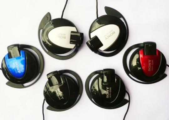 Tai nghe móc tai Sony MDR Q340 VỚI CHẤT LƯỢNG ÂM THANH KHIẾN BẠN HÀI LÒNG, cùng với thiết kế xinh xăn sắc sảo