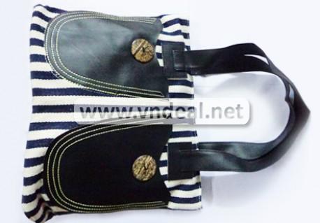 Túi xách sọc thời trang