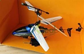 Trực thăng điều khiển 106 loại 20cm - Helicopter mini -3.0 channel: Nhỏ gọn và thật đã với những trải nghiệm tuyệt vời. Giá chỉ có 350,000đ tại xdeal.vn.