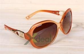 Tự tin xuống phố cùng bạn bè hay đến với miền biển nắng gió với sản phẩm mắt kính thời trang Orange cao cấp, phụ kiện độc đáo không thể thiếu cho cô nàng cá tính. Giá chỉ có 75,000đ tại Xdeal.vn. - 8 - Thời Trang và Phụ Kiện