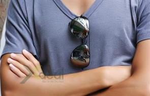 Mắt kính tráng gương Rayban Noo thời trang và phong cách dành cho những anh chàng sành điệu. Giá chỉ có 99,000đ tại Xdeal.vn.