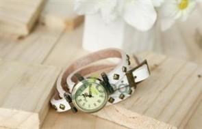 Đồng hồ vòng tay Nakato: Vừa làm đồng hồ vừa làm vòng tay thiết kế phá cách tạo nên sự nổi bật cho riêng bạn, Gía cực hấp dẫn chỉ có 120.000đ