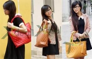 Thêm vào bộ sưu tập túi xách công sở thời trang của bạn chiếc túi Lanxo Big Size duyên dáng góp phần tô thêm vẻ đẹp sang trọng cho người sở hữu. Với giá hấp dẫn chỉ 155.000đ