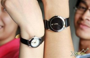 Thể hiện cá tính riêng hay chứng minh cho tình yêu vĩnh cửu của 2 bạn bằng bộ đôi MOVADO Couple – đồng hồ đôi thời trang dành cho những cặp đôi hoàn hảo. Giá cực hấp dẫn chỉ có 180.000đ.