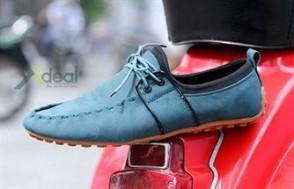 Phong cách, lịch lãm và đầy nam tính trong đôi giày nam thời trang AXE So Style sành điệu. Giá hấp dẫn chỉ có 299.000đ tại xdeal.vn.