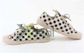Phong cách năng động, tự tin với Giày nữ thể thao Carolin Fashion tạo cảm giác thoải mái cho đôi chân.