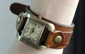 Đồng hồ da thật Lakaos Rock Kiểu Dáng Độc Đáo, Mới Lạ Và Trẻ Trung vừa để xem giờ vừa là một thứ phụ trang tô điểm thêm cho đôi tay xinh xắn.