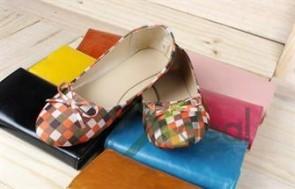 Giày búp bê với đặc tính nhẹ nhàng, êm ái được nhiều bạn gái ưa thích với phong cách dịu dàng, đáng yêu và nữ tính.