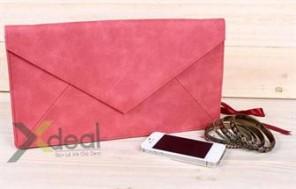 Túi xách với thiết kế hình dạng bì thư thời trang và phong cách. Sản phẩm tuyệt vời dành cho bạn nữ yêu thích phong cách thời trang đơn giản. Chỉ 149,000đ tại Xdeal.vn - 1 - Thời Trang Nữ - Thời Trang Nữ