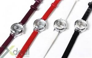Cho đôi tay thêm xinh xắn và thời trang với chiếc đồng hồ đeo tay da nữ cực dễ thương. Giá hấp dẫn chỉ có 120.000đ tại xdeal.vn.