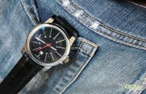 Cá tính và mạnh mẽ với chiếc đồng hồ đeo tay CK lịch lãm. Khẳng định phong cách đàn ông của phái mạnh. Giá chỉ có 99,000đ tại Xdeal.vn.