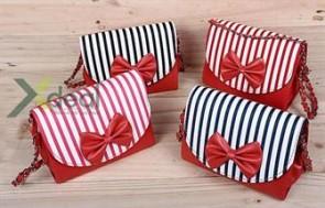 Túi hộp mini Stripe Box năng động và cá tính chỉ 129.000đ. Duy nhất tại xdeal.vn - 1 - Thời Trang Nữ