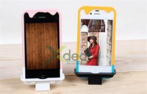 Mùa hè nóng bức sẽ tan chảy ngay với cây kem iPhone mát lạnh. Sản phẩm case điện thoại Ice-cream cực độc đáo và dễ thương. Giá chỉ có 99.000đ tại xdeal.vn.