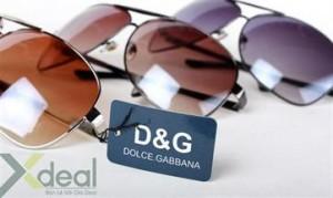 Mắt kính nam D&G đẳng cấp, thời trang và phong cách dành cho những anh chàng sành điệu. Giá chỉ có 139,000đ tại Xdeal.vn.