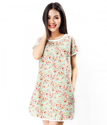 Đầm oversized họa tiết hoa nhí