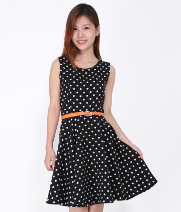 Đầm xòe chấm bi xinh